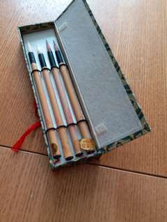 High quality of Chinese writing brushes.  4 in one set.