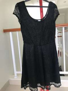 H&M Brokat dress
