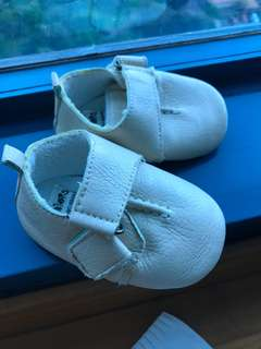 Leather baby shoes 3-6month/ used ☝️ one time only!!!
