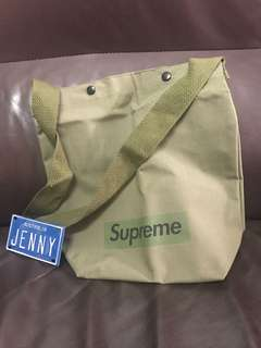 Supreme 雜誌袋