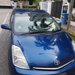 Toyota Prius Hybrid for rent. Grab ready / personal use