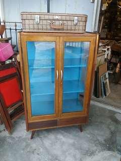 Vintage display cabinet 2