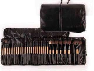BOBBIE BROWN BRUSH SET