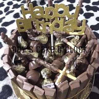 KITKAT BORDERED CAKE