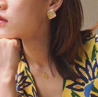 🚚 復古方形蜜蜂耳環