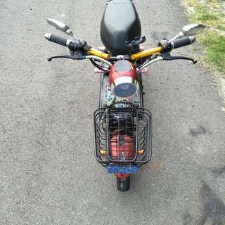 Good running condition 800watts controller 5batterys with alarm key big horn new hand handle
