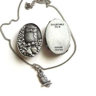 早期收藏-微型錫制橢圓形萌呆貓頭鷹飾品盒套組 含飾品盒、耳環、墜子項鍊