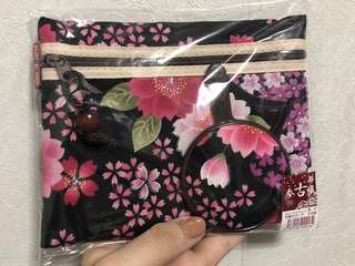 Pouch with mirror (Japan)