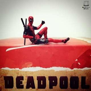 死侍 Deadpool 躺姿 杯緣 Q版 漫威 X特攻隊 X戰警 電影 杯緣子 公仔 非 機堡 蜘蛛人 盒玩 扭蛋 轉蛋