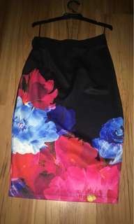 Mid skirt with flora print
