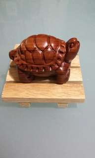 Rosewood carved turtle toggle