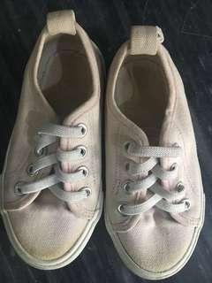 sepatu H&M size 24