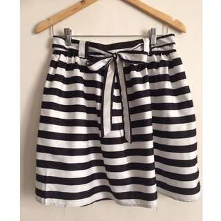 Kamiseta B&W Stripes skirt