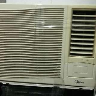 Midea  冷氣機1匹