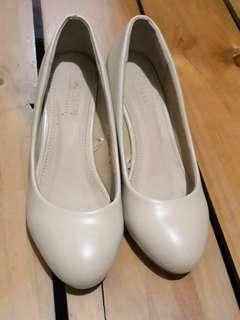 Parisian Basic Nude Closed Shoes