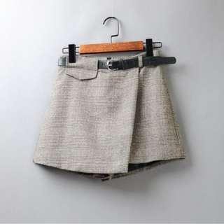 ◇悠莎◇ 新品高腰時尚短褲 二色 563465333281180523
