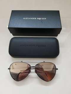 🚚 #mcqueen 機場買價12800 買來只戴過一次 買到賺到#sunglasses  #eyeswear  #summer  #