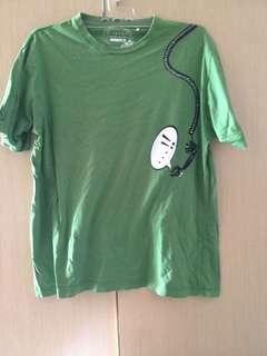 kaos hijau telepon
