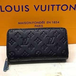 Pre-order LV wallet