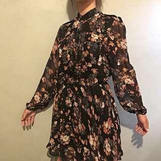 Black floral dress mesh sleeves