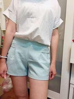 🚚 湖水綠短褲