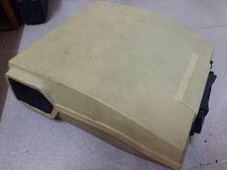 舊打字機一部