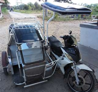 Tricycle rusi 125