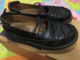 ✨新貨入荷 ~* trippen *~ 德國 設計師 手工鞋 黑色 蟑螂鞋 【尺寸:EUR35】 ㊣