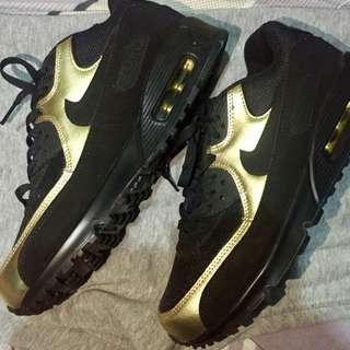 Nike Airmax Essential 90 Black and Gold
