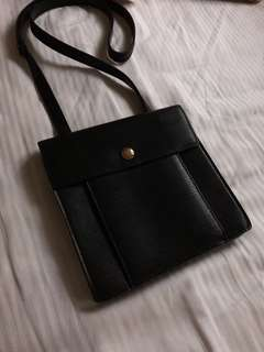 Louis Vuttion Small Bag