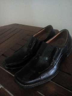 Sepatu Kantor Buccheri