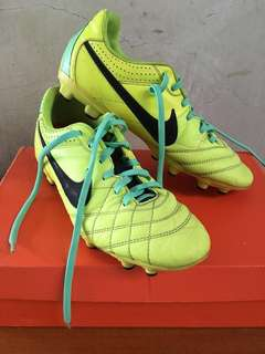 Nike Tiempo (Soccer shoes/cleats)