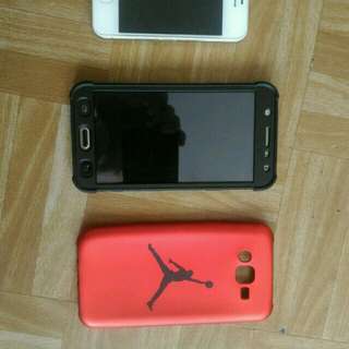 Samsung J7 2015 gold w/ case and iphone 4