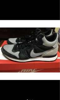 🚚 出清*Nike INTERNATIONALIST MID US10