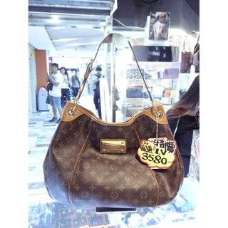 LV Louis Vuitton Brown Monogram Shoulder Handbag Hand Bag 路易威登 啡色 LV花 老花 手挽袋 手袋 肩袋 袋