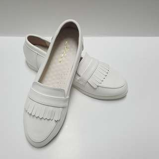 [Size 5] White Sneakers