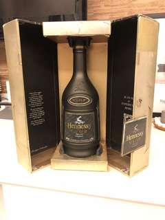 軒尼詩特別版黑色空瓶