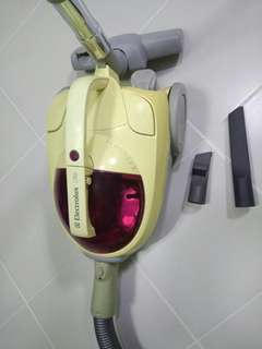 Electrolux Vacuum Cleaner.(Bagless)