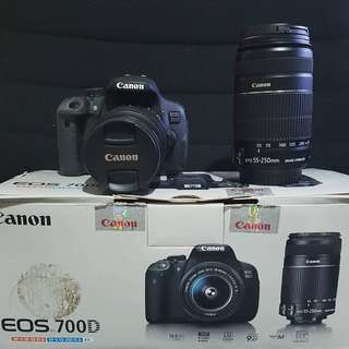 Canon Eos 700D + Lensa kit 18 - 55mm + Lensa Tele 15 - 250mm