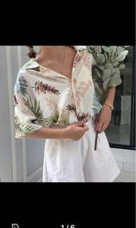 INSTOCK // tropical button up top