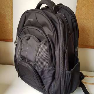 Samsonite Tectonic Large Backpack fits up to 17'' computer gray black LIKE NEW 10 year warranty