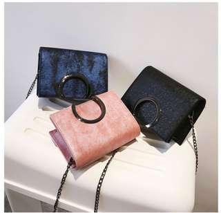 🚚 預購®️潮款黑色鏈條包小方包硬殼系列肩背包簡約時尚素色小包