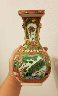 Hand painted Chinese decorative Vase