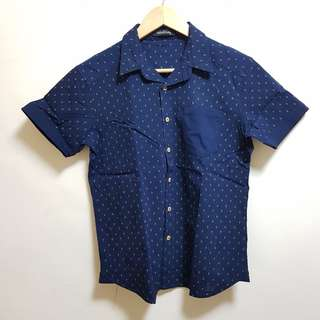 Folded & Hung Button-down Polo