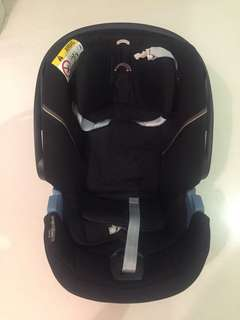 Cybex Aton 5 Car Seat with free Adapter