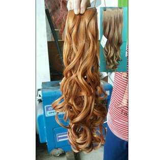 888 hairclip curly blonde