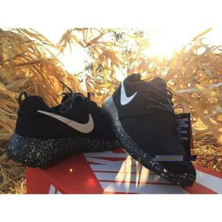 READY STOCK !Nike Roshe Run shoes!