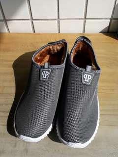 🚚 內刷毛休閒鞋