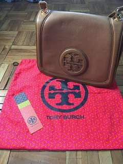 Almost New!!! AUTHENTIC TORY BURCH HANNAH LARGE LOGO BAG
