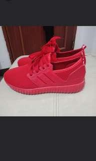 Sepatu olahraga fashionable